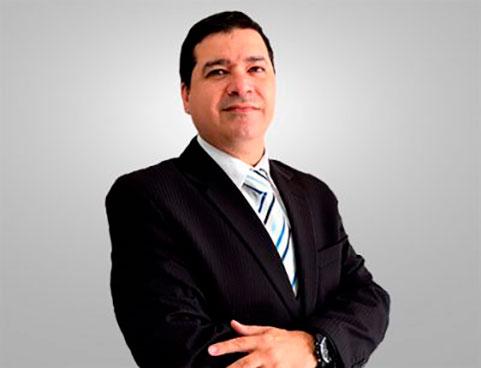prof Alexander Pinheiro